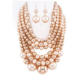 Jewelry - Pearls & Gold Beads Statement Necklace Set